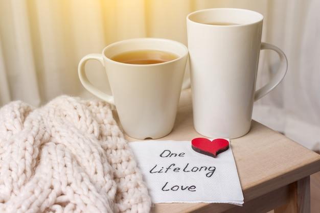 Ein langes leben der liebe ist ein abstraktes symbolbild.