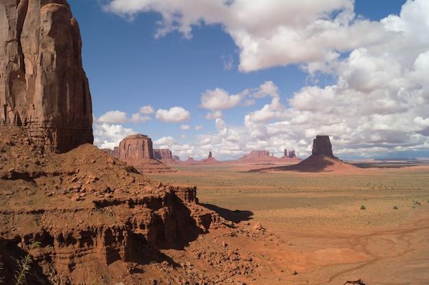 Ein majestätischer blick auf das monument valley, utah-arizona, usa.