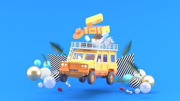 Ein orangefarbenes geländewagen mit gepäck und bunten bällen auf blau. 3d-rendering.