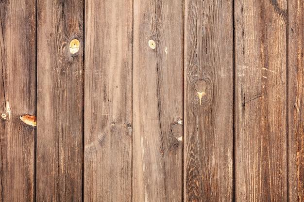 Ein paar hölzerne planken, die flach legen.