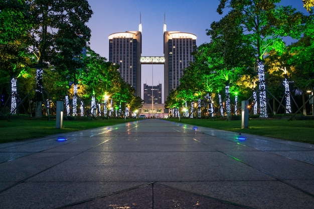 Ein park und die stadt