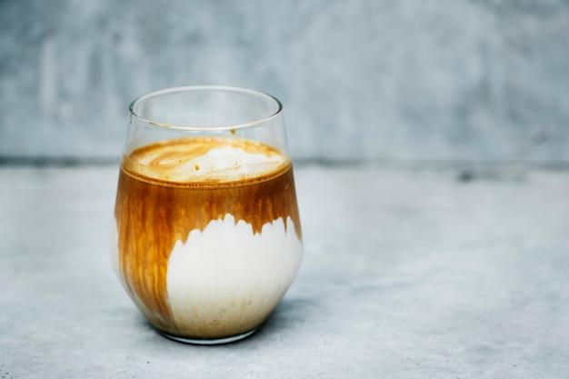 Ein perfekter gefrorener latte