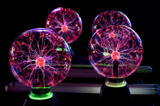 Ein plasmaball bild des elektrischen plasmabildungszentrums