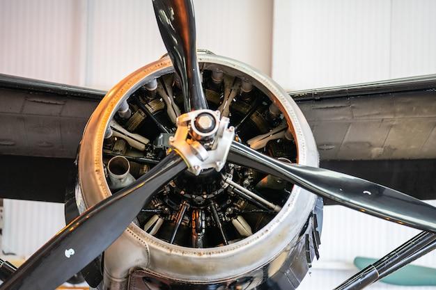 Ein propeller, auch luftschraube genannt. renntag in shuttleworth