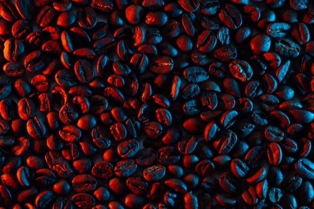 Ein verstreuen von kaffeebohnen