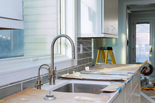 Einbau von küchenschränken verbesserung umbau der ansicht des wurms in einer neuen küche