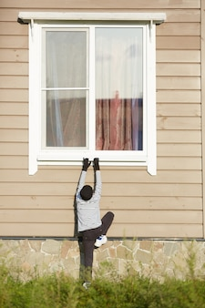 Einbrecher-kletterfenster