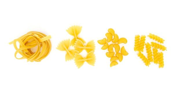 Eine art pasta, variationen italienischer pasta isoliert