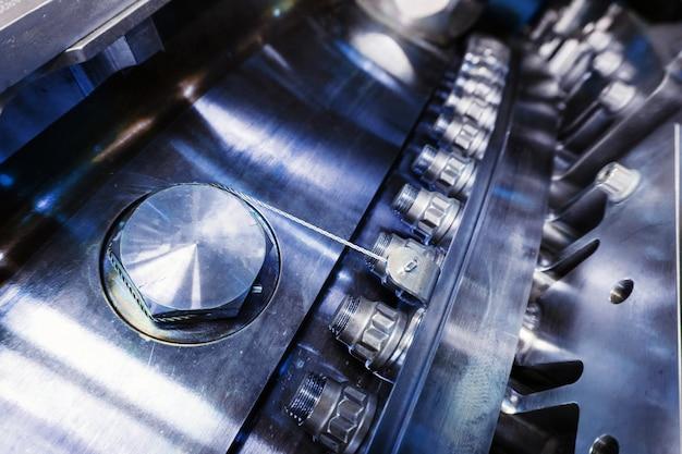 Eine detailansicht des gasturbinentriebwerks zur stromerzeugung