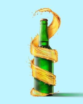 Eine grüne bierflasche und ein spritzer drum herum isoliert auf blauem hintergrund