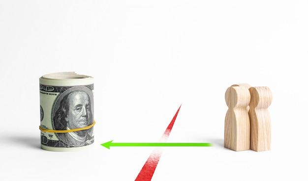 Eine gruppe von menschen überwindet die restriktive rote linie auf dem weg zu geld und finanzierung. schlupfloch