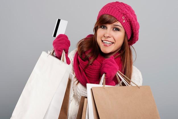 Eine gute idee für den winterschlussverkauf ist kreditkarte