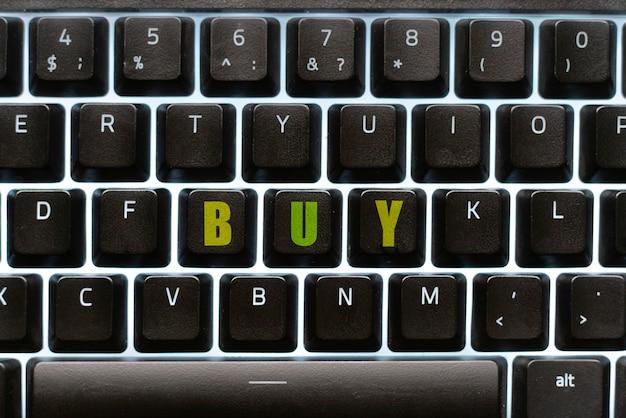 Eine makro-tastaturtaste mit dem text