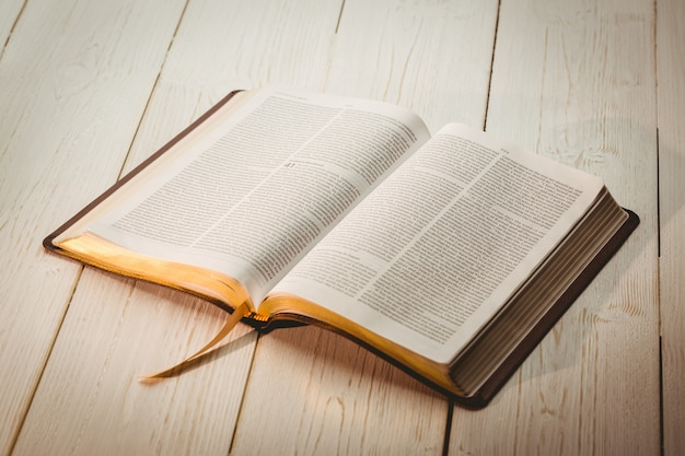 Eine offene bibel