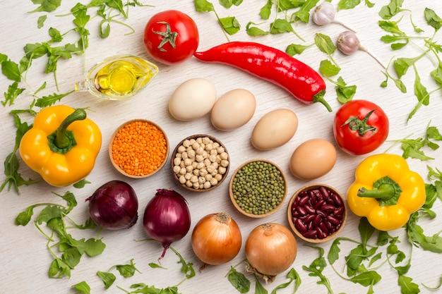 Eine reihe von gemüse für eine gesunde ernährung
