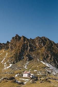 Eine sehr schöne landschaft mit einer besonderen lage der karpaten, transfagarasan