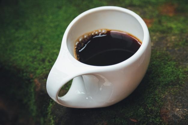 Eine tasse kaffee, flechtensteingarten.