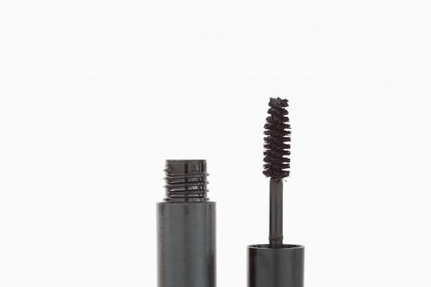 Eine tube und eine mascara-bürste