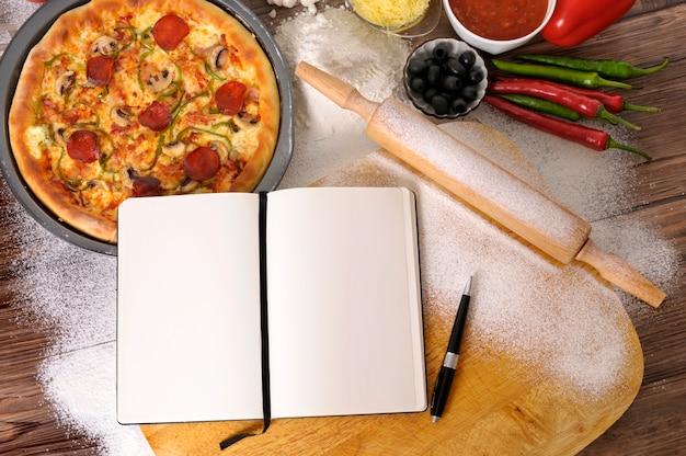 Einen peperoni-pizza