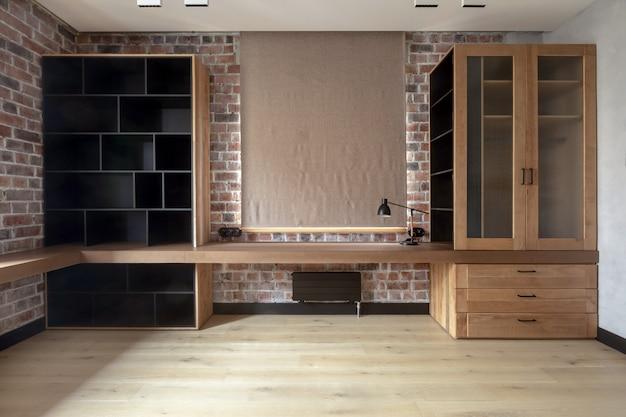 Einfache zeitgenössische innenarchitektur des wohnzimmers in der wohnung