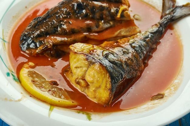 Einfacher makrelen-tomaten-eintopf, nigerianische suppe