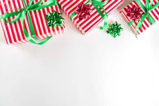 Einfacher musterhintergrund der weihnachtsgeschenkboxen