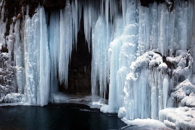 Einfrieren eis gefrorenen eis-wasserfall natur kalt