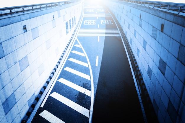 Eingang zu einem tunel
