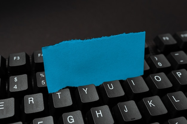 Eingeben eines neuen e-mail-titelkonzepts, verfassen von ideen für internetartikel, erstellen einer sicheren cyber-umgebung, sammeln von informationen, verbreitung der geschäftspräsenz, dateneingabearbeit