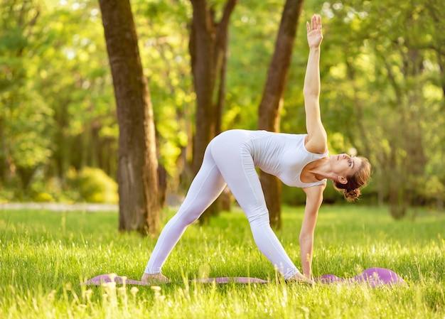 Einheit mit der natur. ruhe und konzentration. inneren frieden finden