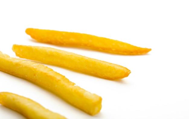 Einige chips isoliert auf weiß