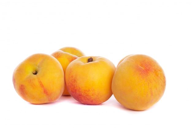 Einige pfirsiche