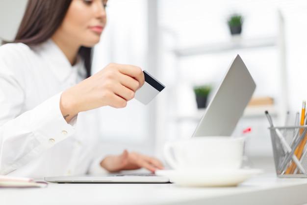 Einkaufen und online-zahlung