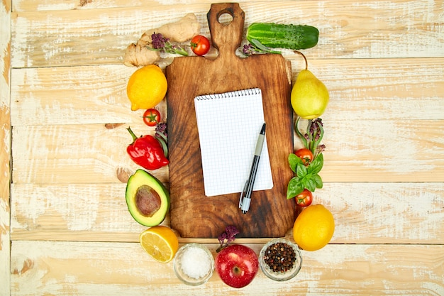 Einkaufsliste, rezeptbuch, diätplan. diät oder veganes essen