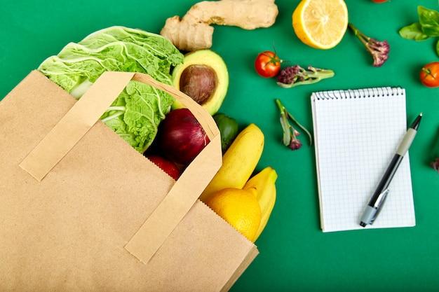 Einkaufsliste, rezeptbuch, diätplan. lebensmittelgeschäft konzept.
