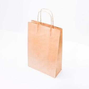 Einkaufspaket mit griffen