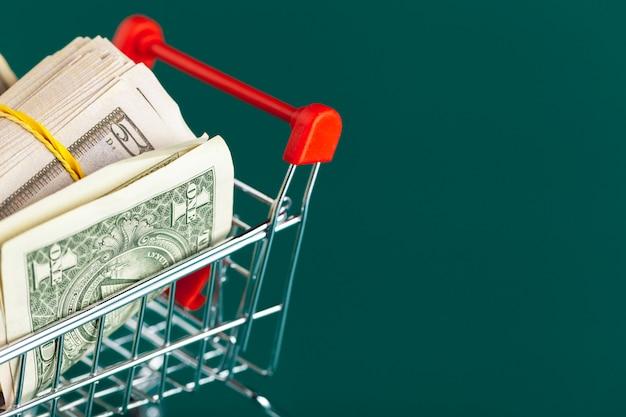 Einkaufswagen mit dollar nach innen