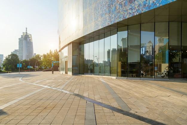 Einkaufszentrum plaza und eingang