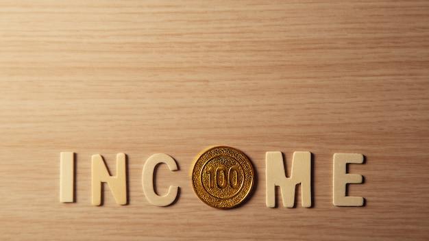 Einkommenskonzept mit kopienraum