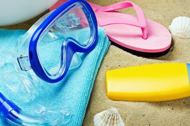 Einrichtungen zum schwimmen und entspannen am strand