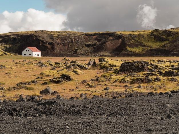 Einsame landschaft in island