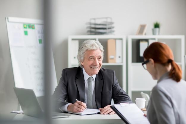 Einstellung eines neuen managers