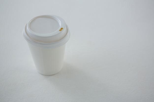 Einwegkaffeetasse isoliert