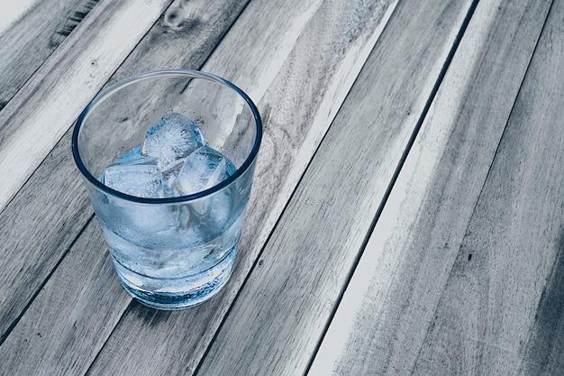 Eis in einem glas