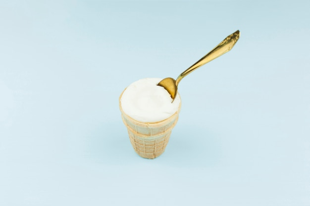 Eiscreme mit löffel