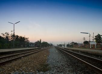 Eisenbahn bis Sonnenuntergang