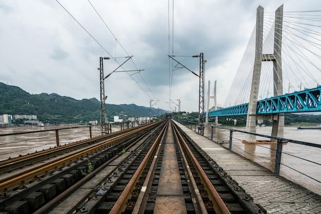 Eisenbahnbrücke chongqing yangtze river metal, china