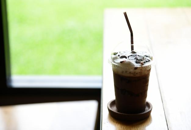 Eiskaffee mokka im café