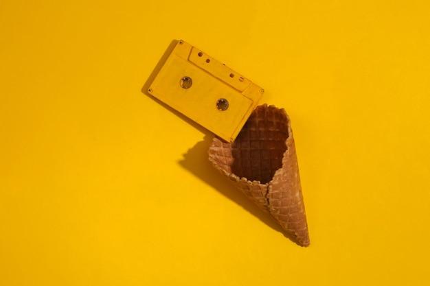 Eiswaffel mit audiokassette
