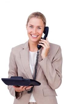 Elegante geschäftsfrau am telefon